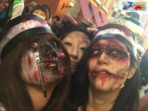 Super maquillage pour les miss zombies